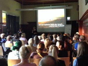 Vortrag Indienreise Suzanne Frankenfeld und Nathalie Jäschke